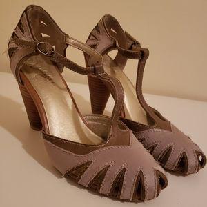 1920s Style Black Patent Leather T Strap Heels – Unique Vintage
